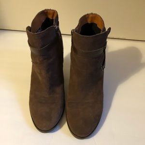 Dolce Vita brown suede heeled booties EUC size 8